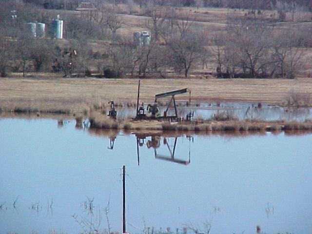 03-pumpjack-in-lake