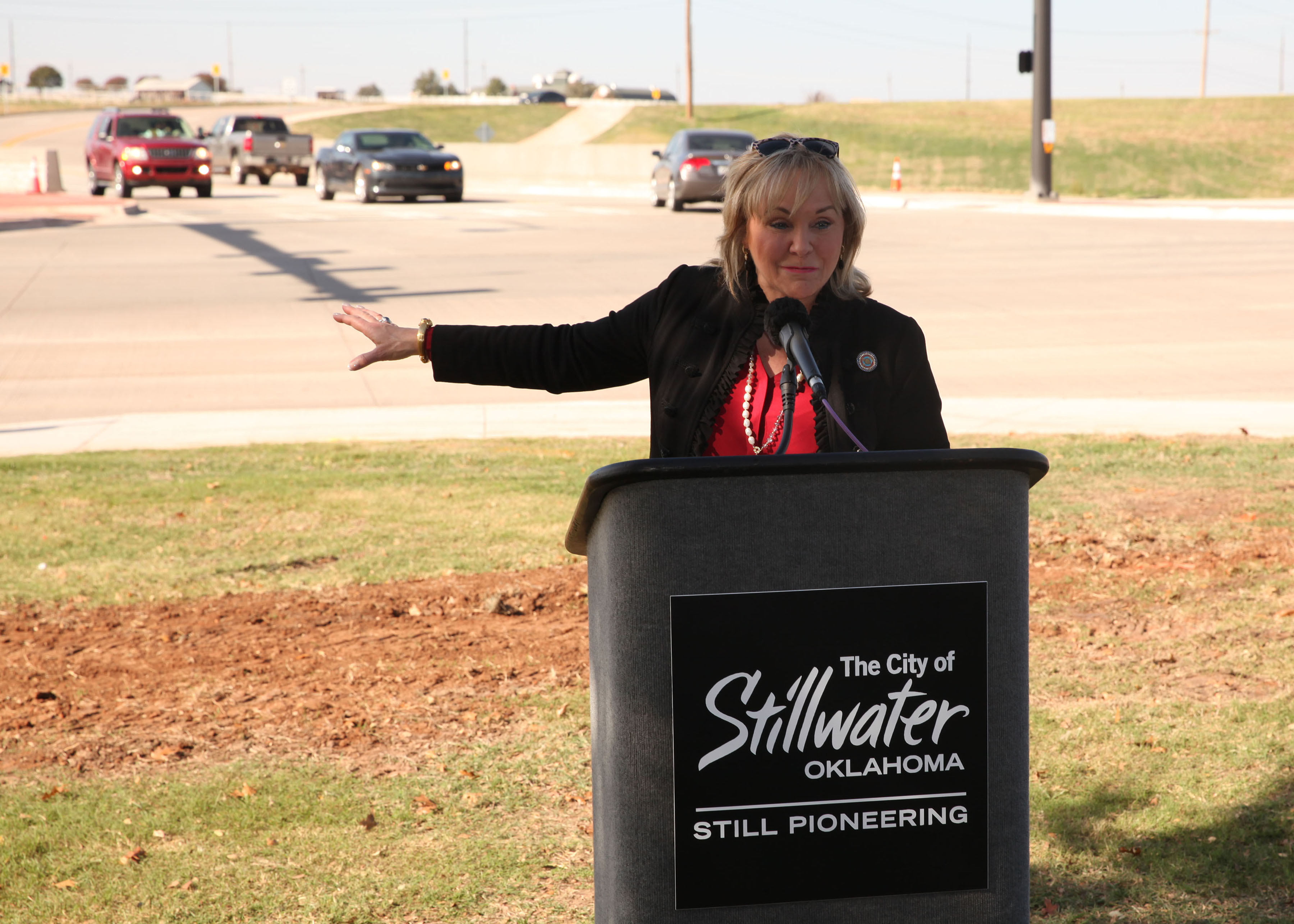 Gov. Fallin at Western Rd. intersection