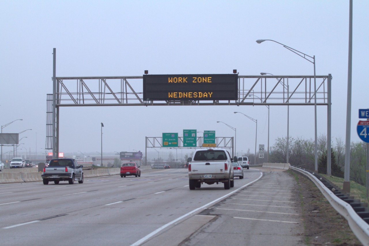 /content/dam/ok/en/odot/images/message-signs/03.27-1.jpg